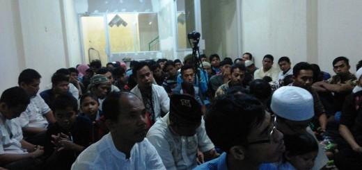 Seluruh Karyawan Mendengarkan Tausiyah oleh Ustadz Ridwan Abu Raihanah, LC